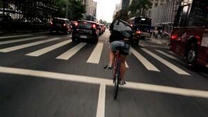 Bici contro auto: gara di mobilità a Torino