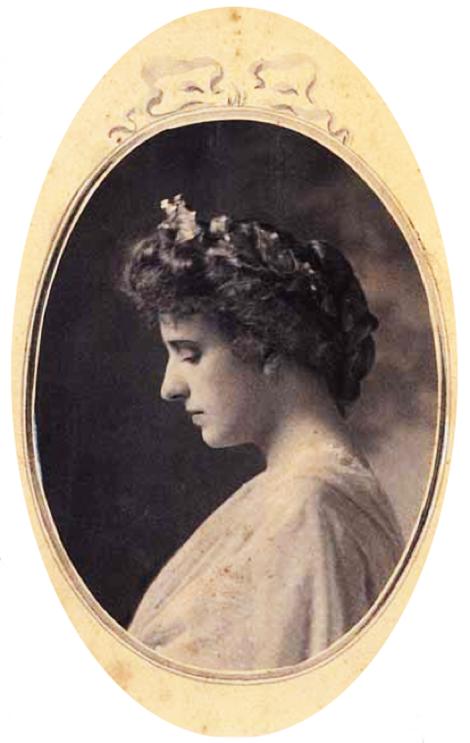 Vittoria - Colonna - archivio-iconografico-del-verbano-cusio-ossola-lisolino-dellamore-umberto-boccioni-profilo