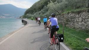 Week-end in bicicletta: sul Lago d'Iseo, tra preistoria e vigneti