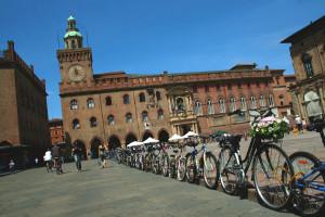M'illumino di meno: da oggi a Bologna chi va al cinema in bici risparmia