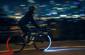 Sicurezza in bici: con Revolights Eclipse+ le ruote illuminano la strada