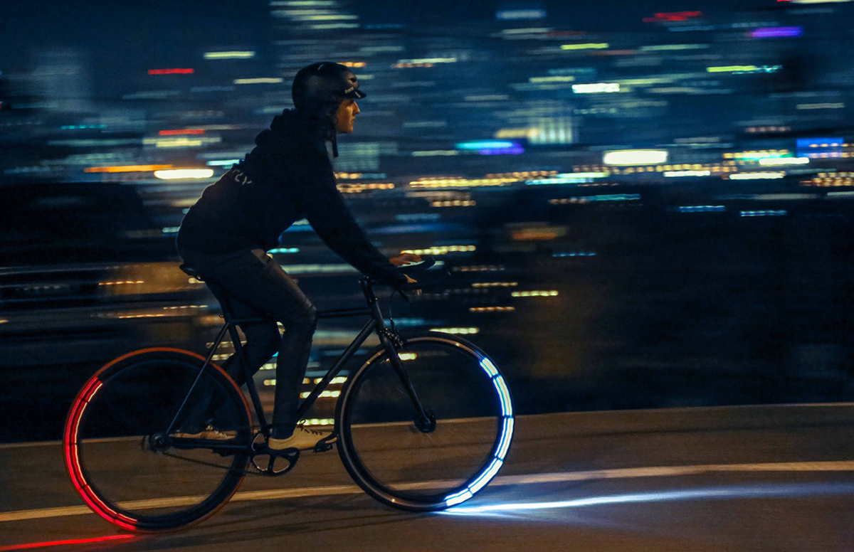 Sicurezza in bici con revolights eclipse le ruote illuminano la