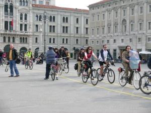 Bici in città: a Trieste 3500 ciclisti quotidiani, 35mila potenziali. Un sondaggio Swg