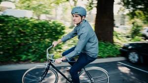 Sicurezza in bici: in Svezia c'è chi vorrebbe il casco obbligatorio