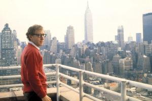 """Basta ciclabili a Manhattan"". Woody Allen mette al bando le bici"