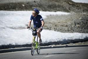 La sfida benefica di Brompton: il 24 giugno tutti sullo Stelvio in folding bike
