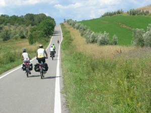 Bicistaffetta 2016: Fiab pedala da Termoli a Rimini sulla Ciclovia Adriatica