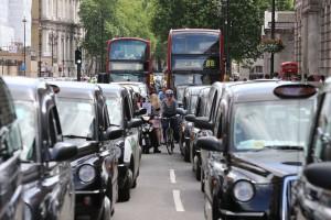Cantieri più che triplicati, ma il traffico di Londra è colpa delle ciclabili…