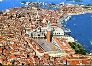 Venezia vieta il centro alle biciclette. Anche se portate a mano