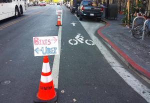 Ciclabili sicure: a San Francisco il comune legalizza la guerrilla bike lanes