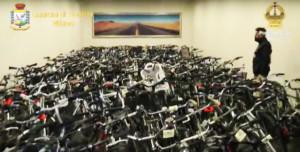 A Milano la Finanza recupera 500 bici rubate. Le foto su Facebook