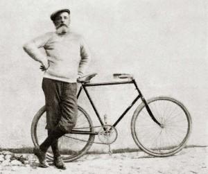 """Torna in libreria """"In bicicletta"""" di Olindo Guerrini, poeta e viaggiatore a pedali"""