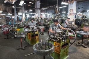 """Ludhiana, India, la """"fabbrica"""" della bici senza ciclabili e con più incidenti mortali"""