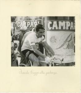 Fausto Coppi alla partenza del Gran Premio di Lugano 1956 di cui Campari era sponsor