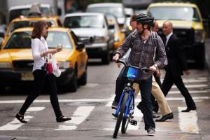 Più veloce del taxi. A New York, fino ai 3 chilometri, vince il bike sharing