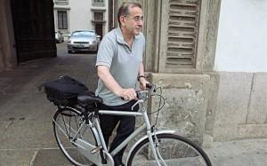 «L'autista non fa per me». Milano avrà un arcivescovo ciclista