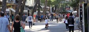 Riccione: su Viale Ceccarini le bici soltanto a mano