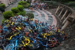 Free floating: Pechino assediata da due milioni di bici, stop ai nuovi gestori