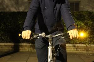 Accessori bici: quando la freccia corre sul manubrio
