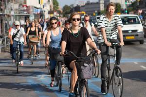 """A Copenaghen la bici cala al 41%. """"Colpa"""" degli investimenti sul trasporto pubblico"""