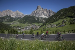 8 montagne da scoprire in bicicletta lungo l'estate, dalle Dolomiti al Gran Sasso