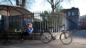 Le bici a pedalata assistita sono ormai una comoda opportunità anche per i giovani
