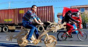 La dragon bicycle pesa 20 kg e, come si vede in foto, è pedalabile