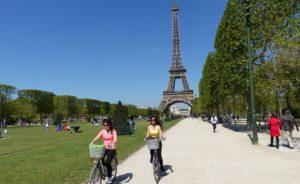 Veligo, il più grande e-bike sharing al mondo. Parigi sale a 20mila mezzi