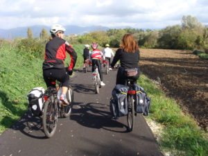5 pedalate facili tra Lazio e Abruzzo. Una guida per tutta la famiglia