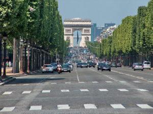 Guerra al traffico, Parigi vince la scommessa: -5% di auto nel 2018