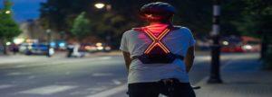 Con WAYV luci e frecce incorporate per essere più visibili e sicuri