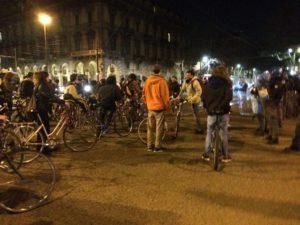 Critical mass. A Torino, dopo le cariche ai ciclisti, si riparte: giovedì 28, dal Municipio