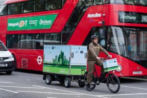 Bike economy: a Londra 600 sterline alle aziende che consegnano su cargo bike