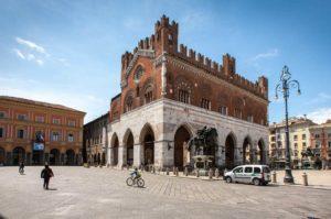 Spesa in bicicletta: anche a Piacenza sconti a chi arriva al negozio pedalando