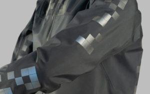 La giacchetta che protegge i ciclisti dalle auto a guida autonoma