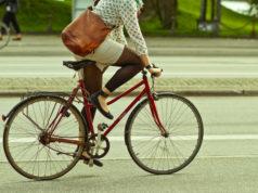 Donne e bicicletta