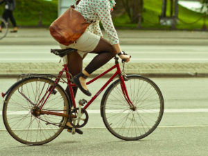 Donne e bicicletta: il buon esempio viene della Spagna