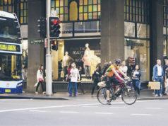 Bici, piedi, mezzi pubblici. Il mix per ridurre le emissioni dei trasporti