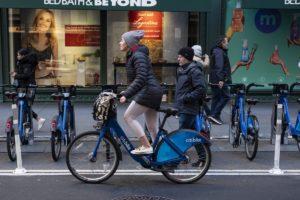 Coronavirus e bicicletta: a New York è boom di ciclisti (solitari)
