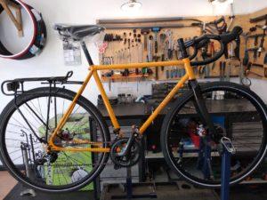 Emergenza Covid, a Milano riaperti ciclisti e negozi di biciclette