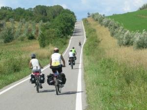 Ripartono i BiciViaggi Fiab per un cicloturismo sicuro e di qualità