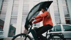 BikerTop, al via il crowdfunding per l'ombrello da bici
