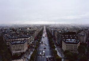 Parigi: Champs-Élysées car free. Il viale diventerà un parco entro il 2030