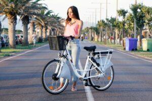 A Cagliari il bike sharing si fa elettrico. E integrato con le auto condivise