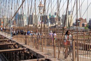 Ponte di Brooklyn si cambia: meno auto e più biciclette