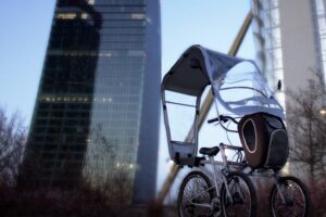 CarCityBike, tre ruote e una capanna: la bici da città non convenzionale