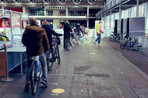 Bike to vote: ad Amsterdam testato il primo seggio per soli ciclisti